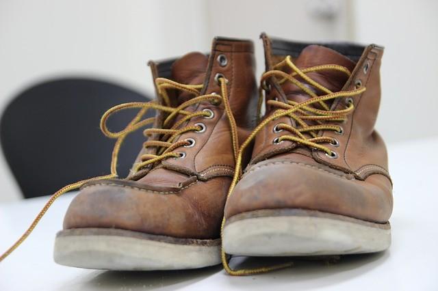 Jak vybrat pracovní obuv 6fece672ea
