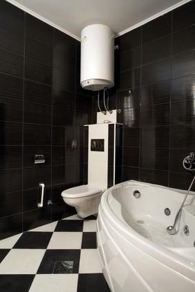 Bojler v koupelně