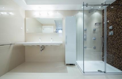 Osvětlení Zrcadla V Koupelně Výrazně Zvyšuje Komfort