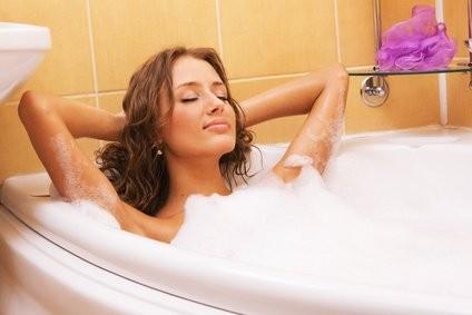Relaxování s hudbou ve vaně