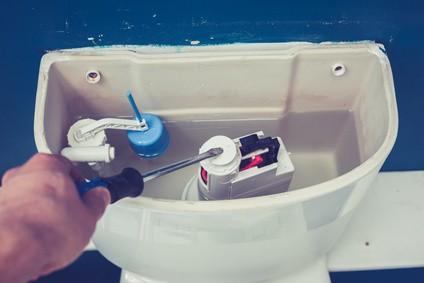 Záchod protéká