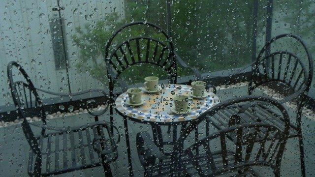 Sníh, déšť a mráz nesvědčí zahradnímu nábytku ani dekoracím