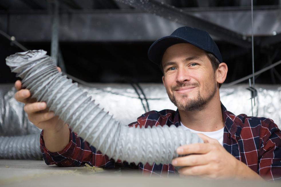 Čerstvý vzduch je do interiéru vháněn systémem potrubí