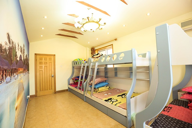 Velké pokoje pojmou i více postelí - ideální řešení pro velké rodiny s malým počtem obytných místností