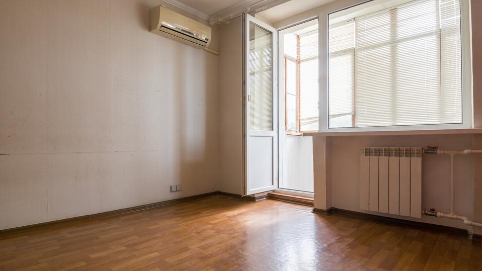 Zasklení lodžie a balkonů je možné jak u nových, tak starších bytových domů