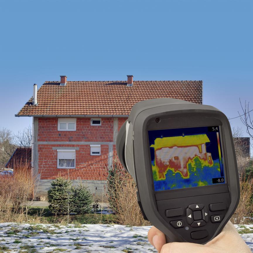 Termokamera odhalí, kudy uniká teplo z domu