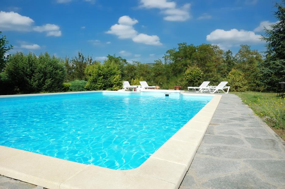 Při stavbě rozlehlejšího bazénu budete muset vyrazit na úřad